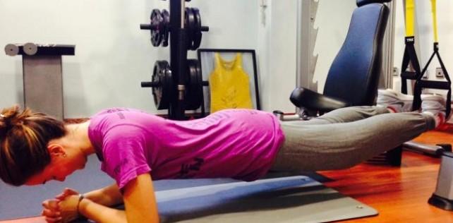 Rutina de ejercicios para tonificar los abdominales con TRX