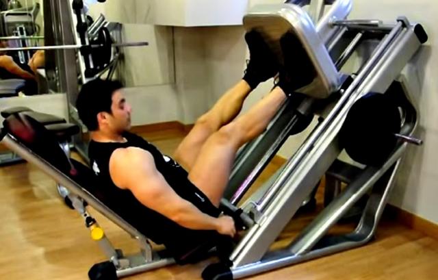 Prensa de piernas inclinada