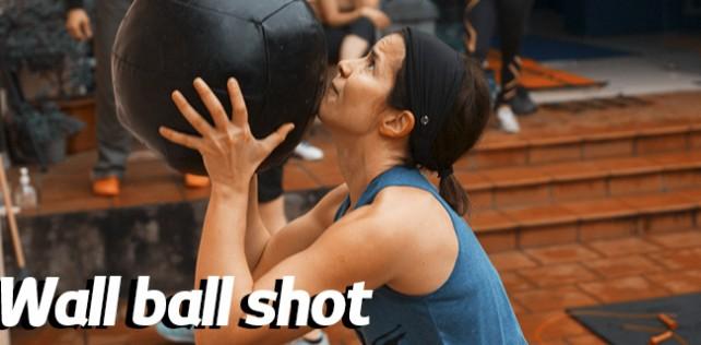 Lanzamiento de balón o Wall ball shot