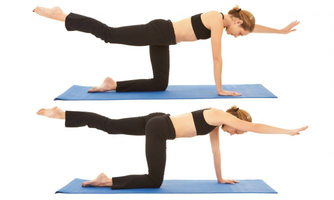 Rutina y ejercicios para eliminar los rollitos de la espalda - Ejercicios yoga en casa ...